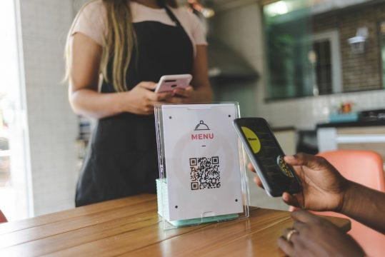 celular QR Code cardápio