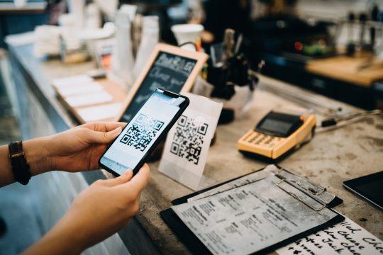 Qr Code No Pocophone F1 Como Instalar E Como Ler Qr Code No Celular Pagamento Com Qr Code Qr Paga
