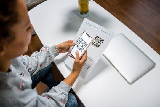 Veja como funciona o pagamento por celular com QR Code